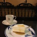 【京都老舗喫茶スイーツ】チーズケーキフェチ必食★ フランソア喫茶室【四条河原町】