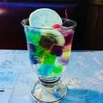 【京都老舗カフェ】惑わせるゼリーポンチ |青の幻想美「喫茶ソワレ」