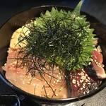 【売切御免】500円の海鮮丼ランチ!夜は自家製の豆腐料理が目玉「唐草屋(からくさや)」