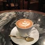 祇園の正統派老舗喫茶*ミラノの香りがするカフェラテ♪ *カトレア【祇園】