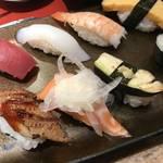 外国人観光客が押し寄せる京都の回転寿司!お得なランチもあり「長次郎 四条木屋町店」
