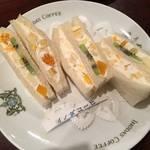 【京都老舗喫茶グルメ】ふんわり優しいフルーツサンド*イノダコーヒ四条支店