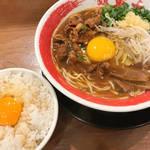 京都で徳島ラーメン!生玉子無料で3度美味しい人気店「ラーメン東大」