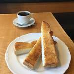 香り高いコーヒーと芸術的トーストモーニング★カフェ・ヴェルディ【下鴨カフェ】