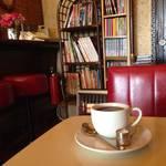 きっと誰もがファンになる、京都の老舗喫茶。さすがの貫禄!ゴゴ【出町柳】