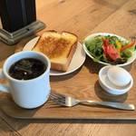 安定した美味しさの京都を代表するベーカリー「志津屋」終日使えるベーカリーカフェ【梅小路】