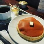 【京都カフェ】美しすぎる由緒正しいホットケーキ!カフェ通にはよく知られた名店「雨林舎」【二条駅スグ】
