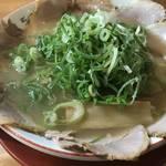 京都駅近くの隠れた人気京都ラーメン!〆麺にもオススメ「らーめん恵比朱」