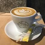芸術と美食*アートなコーヒースタンド★「フォーラム・キョウト」【四条木屋町】