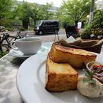 【おひとりさまオススメ】晴れた日は居心地抜群のテラス席へどうぞ☆アンド・ノマ・カフェ【岡崎カフェ】