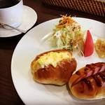 【京都モーニングめぐり】東本願寺前の好立地!朝7時オープンで朝食メニュー豊富☆「Toru Cafe(トール カフェ)」
