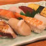 京都の地で80年!カウンターで気軽に職人がにぎる寿司を!「ぎをん本家重兵衛 (じゅうべえ)」【四条烏丸】