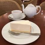 ビッグサイズのケーキ|心まで満たせるケーキカフェ★ハーブス【藤井大丸】