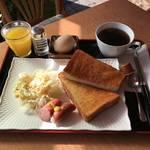 東山の紅葉散策おすすめ朝ごはん*CAFE HEBARAGI(カフェ ヘバラギ)【東山三条】