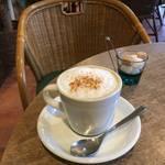 ほっこり暖炉であったまろう★香り立つカプチーノ*FOODIES CAFE NIFTY (フーディーズカフェ ニフティ)【国際会館】