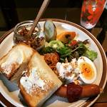 【京都カフェモーニング】不定期日曜営業の数量限定人気モーニング!ボリューミーで満足度大☆「喫茶とごはんきんたんち」