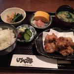 築百余年の重厚な京町家でお手軽炭焼き鶏ランチ「串くら 本店」@烏丸御池の巻っす