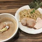下鴨の人気店が久御山に2号店をオープン!濃厚スープと自家製麺がうまい「らーめん双龍製麺」