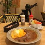 【京都老舗喫茶グルメ】とろプル卵とリッチソースがドッキング 「前田珈琲 室町本店」