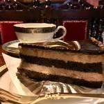 京都きってのレトロ喫茶*とろける極上ショコラケーキ「築地」【河原町カフェ】