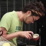 """芸術的ラテアートの「Trentanove(トレンタノーヴェ)」""""苺と生ハムとミントの冷製カッペリーニ""""で味わう旬の味【荒神口】"""