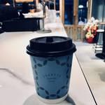 『トレンド最前線』まるでシルクのような滑らかラテ「イカリヤ コーヒー キョウト(IKARIYA COFFEE KYOTO)」 【河原町カフェ】