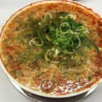 唐辛子まみれの衝撃!京都人に70年愛されてきたラーメン店「タンポポ」焼飯もウマイ!