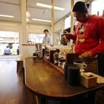 【元・立誠小学校】仮設店舗にて営業再スタート!「Traveling Coffee」(トラベリングコーヒー)☆3/15からプレオープン中☆