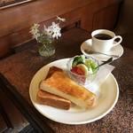 気になる京都のマイナー喫茶店|扉の向こうは癒しのムーディー空間*しみずコーヒー店【出町柳】