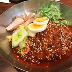 京都ナイトの定番〆麺!弾力ある手打ち冷麺がクセになる「アジョシ祇園八坂本店」