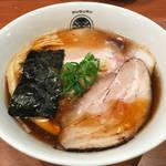 京都ミシュランラーメン店「とうひち」の2号店!早くも行列必至の人気「らぁ麺 すぐる」