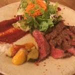 京都駅前の肉バルで気軽に希少部位ステーキとワインを「 銀次郎 京都駅前西店」