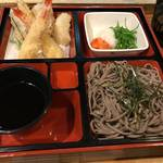 【京都ランチめぐり】週末だけ営業の隠れた名店!30年の年季とコスパいい手打ち蕎麦◎「綱道」