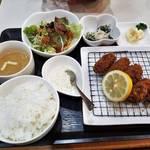 伏見桃山の納屋町商店でお手軽ランチ「Milk Blossom Matsubara」松原牛乳ゆかりの喫茶店