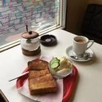 京都・御所東に佇む燻し銀の純喫茶★冴え渡るキリッとエスプレッソ「パル珈琲館」