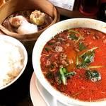 【京都ランチめぐり】コスパいい数量限定点心付坦々麺ランチ必食!お手軽な街の中華料理店「美龍(メイロン)」
