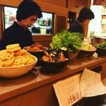 【京都祇園】美人姉妹営む京のおばんざい店!路地奥の隠れ家的ほっこり空間◎「花の」