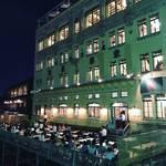 【京都夏の風物詩】四条大橋の老舗中華料理店で鴨川納涼床ディナー!日本最古のエレベーター必見☆「東華菜館」