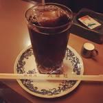 【京都カフェめぐり】河原町三条の老舗喫茶店!自家焙煎コーヒーと居心地いいレトロ空間「六曜社」