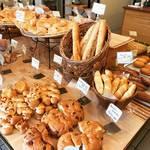 【京都パンめぐり】北白川の創業70年余の老舗ベーカリー!先駆けフランスパンは不変の人気☆「ヤマダベーカリー」