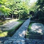 【京都お寺めぐり】白砂壇は早くも紅葉の装い!台風被害の爪痕も垣間見え☆鹿ケ谷「法然院」