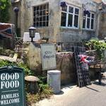 亀岡市のドゥリムトン村はおとぎの国!?「ポントオーク」でイギリス料理を堪能