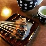 【京都和菓子めぐり】平安時代から続く井戸水が育む伝統あぶり餅!今宮神社名物の門前菓子「一文字屋和輔(一和)」