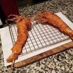 祇園で創作串揚げと一緒にワインを楽しむ「串揚げバル スキロ」