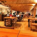 【オープン】京都御所観光がますます便利!開放的な森のレストランも☆「京都御苑中立売休憩所」