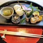 京都府庁前の人気和食店|ランチは3900円からとお手頃「京料理かじ」