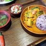 京都では珍しいブータン料理店「ブータン食堂 チャロチャロ」