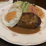 京都人が愛する老舗洋食店で極上の和牛ハンバーグを「ぼんじゅーる」