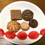 【京都スイーツめぐり】素朴でレトロな味わい修道院製クッキーにキュン♡大丸百貨店裏「タキノ酒店」