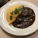 圧倒的贅沢感と高揚感!洋食店の傑作オムカレー「街の洋食屋 AKIRA」 【長岡天神】